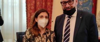 https://www.tp24.it/immagini_articoli/02-08-2021/1627938359-0-accorpamento-camere-commercio-manenti-incontra-il-ministro-castelli-nbsp-nbsp.jpg