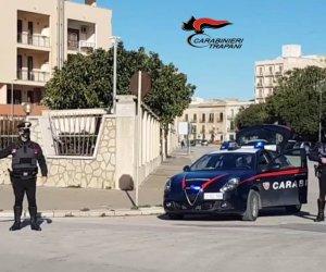 https://www.tp24.it/immagini_articoli/04-03-2021/1614863516-0-trapani-controlli-dei-carabinieri-due-denunciati-ragazzi-violano-il-coprifuoco-sanzionati.jpg