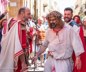 https://www.tp24.it/immagini_articoli/07-02-2021/1612724907-0-marsala-rinviata-al-2022-la-processione-del-giovedi-santo.jpg