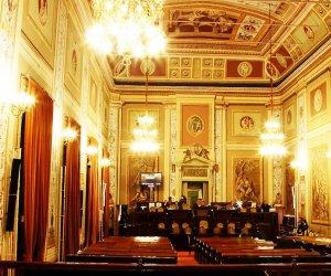 https://www.tp24.it/immagini_articoli/10-03-2021/1615353463-0-ars-in-tilt-nbsp-presentati-300-emendamenti-alla-manovra-nbsp-rinviata-la-votazione.jpg