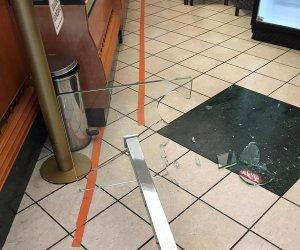 https://www.tp24.it/immagini_articoli/14-04-2021/1618414323-0-trapani-non-gli-serve-il-caffe-minacciato-barista-che-rispetta-le-norme-anti-covid.jpg