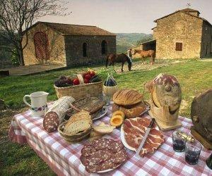 https://www.tp24.it/immagini_articoli/15-08-2020/1597496979-0-coldiretti-agriturismi-siciliani-tutti-esauriti-a-ferragosto-nbsp.jpg