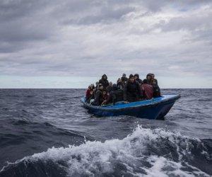 https://www.tp24.it/immagini_articoli/18-02-2021/1613660431-0-pantelleria-85-persone-sbarcate-sull-isola-a-bordo-di-tre-imbarcazioni-nbsp.jpg