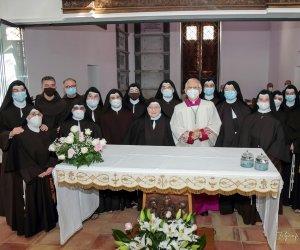 https://www.tp24.it/immagini_articoli/26-07-2021/1627331832-0-erice-si-completa-il-trasferimento-delle-clarisse-del-monastero-sacro-cuore.jpg