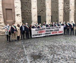 https://www.tp24.it/immagini_articoli/28-04-2021/1619635936-0-il-pd-nazionale-si-riunisce-per-il-completamento-della-castelvetrano-gela.jpg