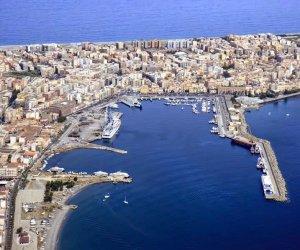 https://www.tp24.it/immagini_articoli/30-04-2020/1588259102-0-il-virus-e-la-crisi-economica-in-sicilia-nbsp-pescatore-si-toglie-la-vita.jpg