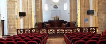 https://www.tp24.it/immagini_articoli/31-03-2020/1585688012-0-mazara-consiglio-comunale-libera-sospensione-tributi-locali.jpg